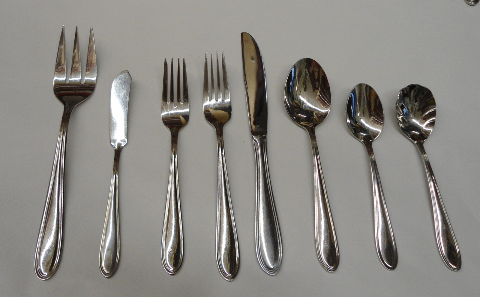 Wallace modern thread choice piece stainless flatware ebay - Contemporary stainless flatware ...